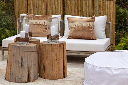 Kunststoffpolster fuer den Sitzbereich im Garten