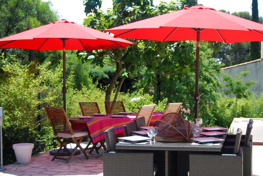 Sonnenschirm auf der Terrasse