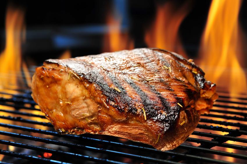 Schweinekotelett auf dem Grill