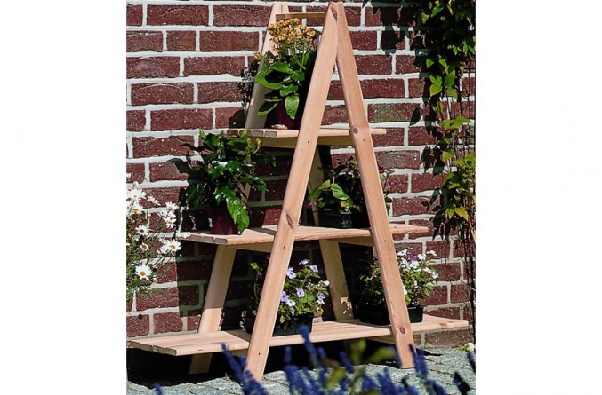 Dekorative Leiter in A-Form für Pflanzen