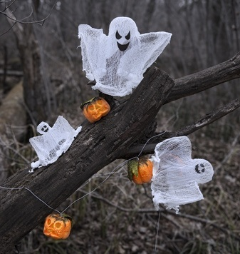 Gespenster im Baum